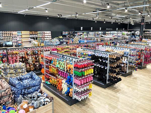 Espoon myymälä Laajalahdessa
